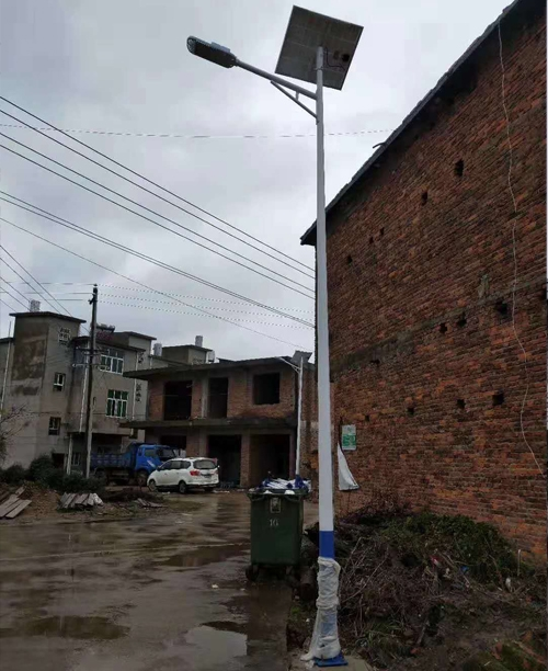 湖北黄冈市红安县太阳能路灯实例